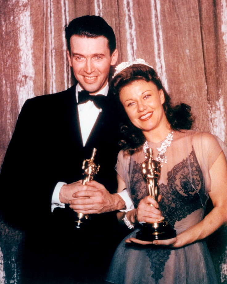 How to hold an Oscar statue: Jimmy Stewart and Ginger Rogers