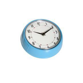 Färg & Form kellon halkaisija on 24 cm ja siihen tarvitaan yksi AA-paristo (ei sis.).