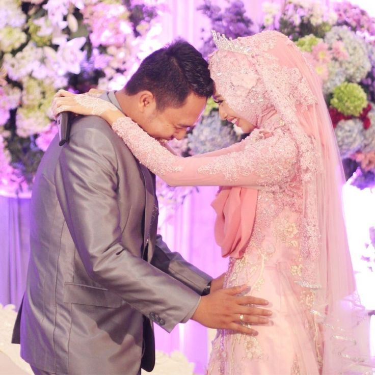 "BAHAGIA ITU BEGINI : ""kita menertawakan hal yang sama, menangisi hal yang sama dan saling menguatkan""  .  .    #laksmi #laksmikebayamuslimah #kebayalaksmi #laskmiislamicweddingservice #laksmigown #kebayamuslimah #kebaya #muslimahwedding #vendorwedding #weddingku #muslim #muslimah #love #fashion #weddings #vendorweddingsurabaya #vendorsurabaya #surabayaweddingvendor #surabaya #weddingsurabaya #kebayasyari"