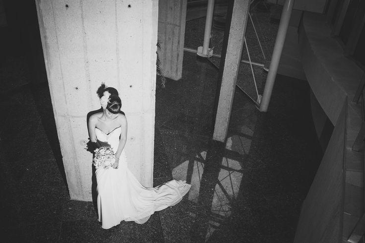 22.sedinta-foto-la-nunta-cu-mireasa-fotografie-alb-negru