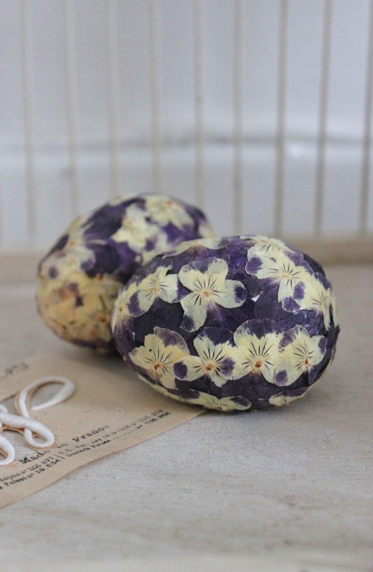 Eggcellent idea. Decoupage flowers onto eggs for ostara.