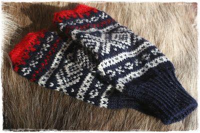 Norwegian Marius mittens. #mittenS:-)
