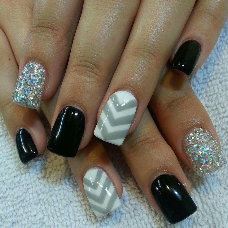 Simple Grey Nail Art: 1000+ Ideas About Chevron Toes On Pinterest