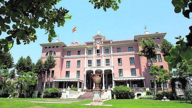 Villa Padierna Palace Hotel Luxury Hotel In Marbella