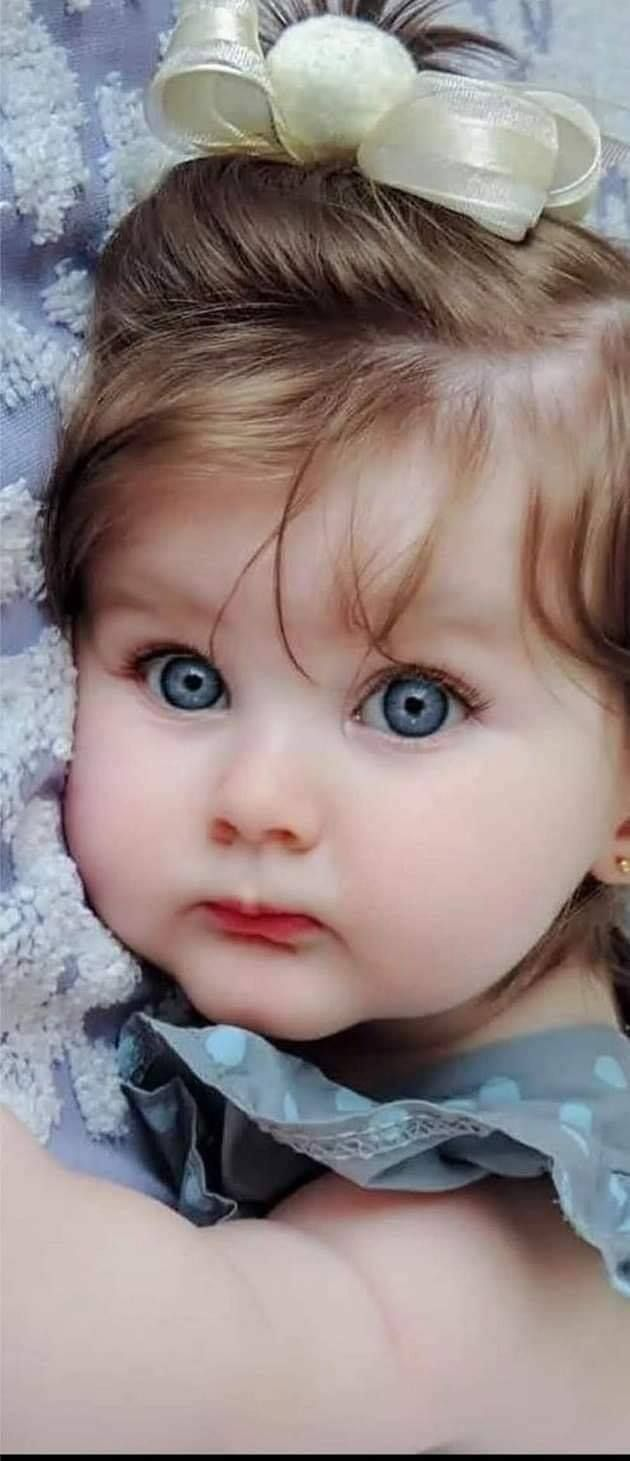 Girl Baby With Blue Eyes So Cute Blue Eyed Baby Cute Baby Girl