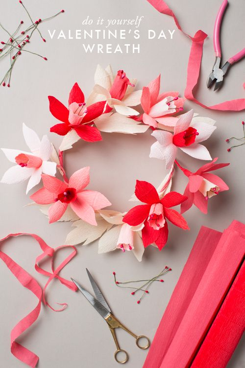Make a paper flower wreath for your valentine.