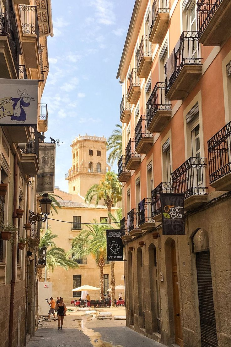 A Photographic Journey through Alicante's Old Town