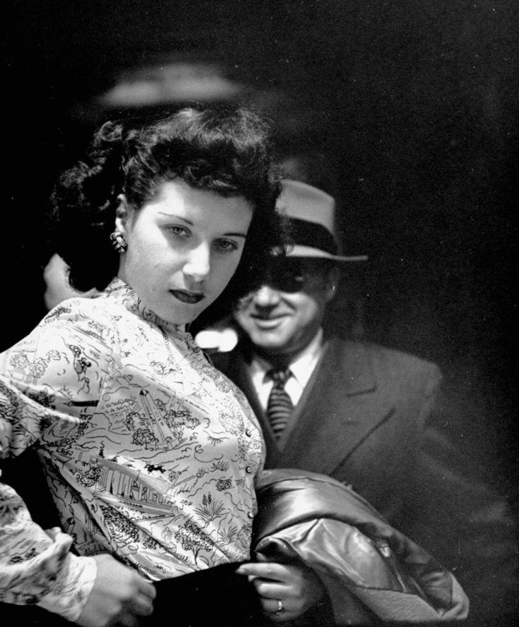 A travers un miroir sans tain en 1946 photo mirroir tain new york 12 761x920