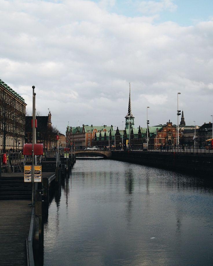 Walk by  #scenefromtheboat #makethingsbetter #sayidotokøbenhavn #Copenhagen #Denmark