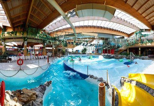 Océade- Watercentrum van de hoofdstad, het hele jaar door geopend, met zijn sensationele glijbanen, zijn verkwikkende bubbelbaden, zijn sauna's, solariums, golfbaden, raft etc.
