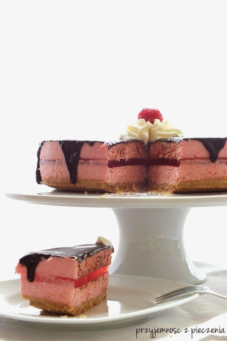 pianka truskawkowa,truskawkowe ciasto bez pieczenia