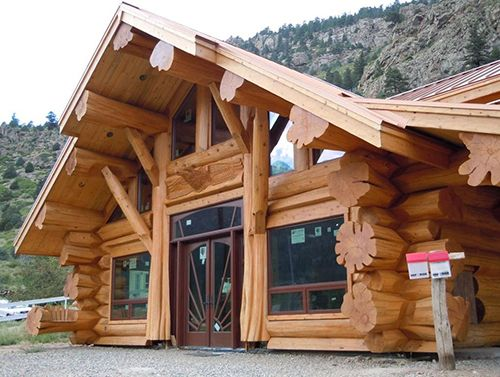 Сруб дома из бревна-Охотничий дом в горах