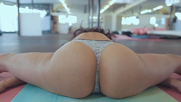 Teen Sexy Yoga Personal Trainer Workout