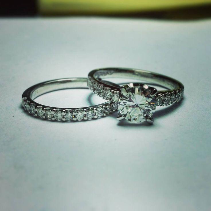 """Engagment ring and matching weeding band - perfect set #wedding #weddingring #diamonds #eyecatching #custommade #jewelryaddict #gold #engagementring…"""