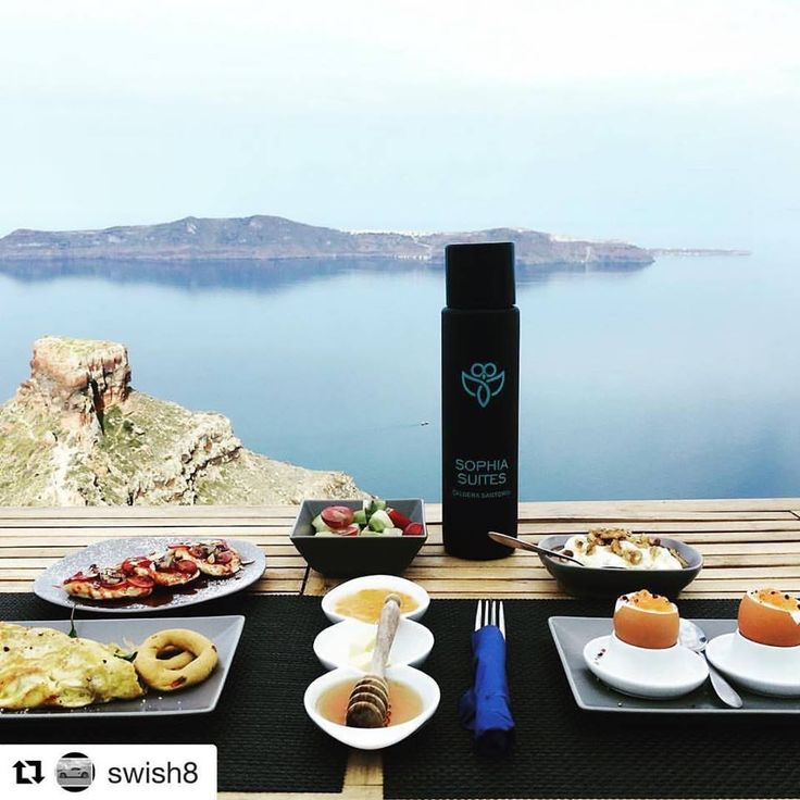 The best way to start your day! #Repost @swish8 ・・・ Breakfast at #sophiasuites overlooking the #Caldera and #Skaros rock. #santorini #morning #imerovigli #thira #eggs #aegean #aegeansea #thirassia