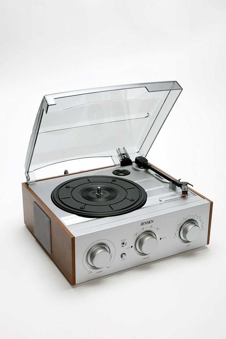 I want. I want. I want.  Jensen Wood Turntable  #UrbanOutfitters