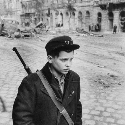 1956-young-rebel-hungary