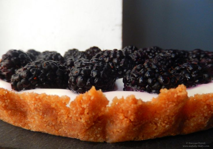 tarta cu mure si iaurt grecesc