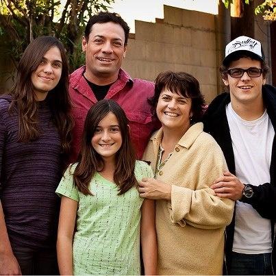 dee dee family