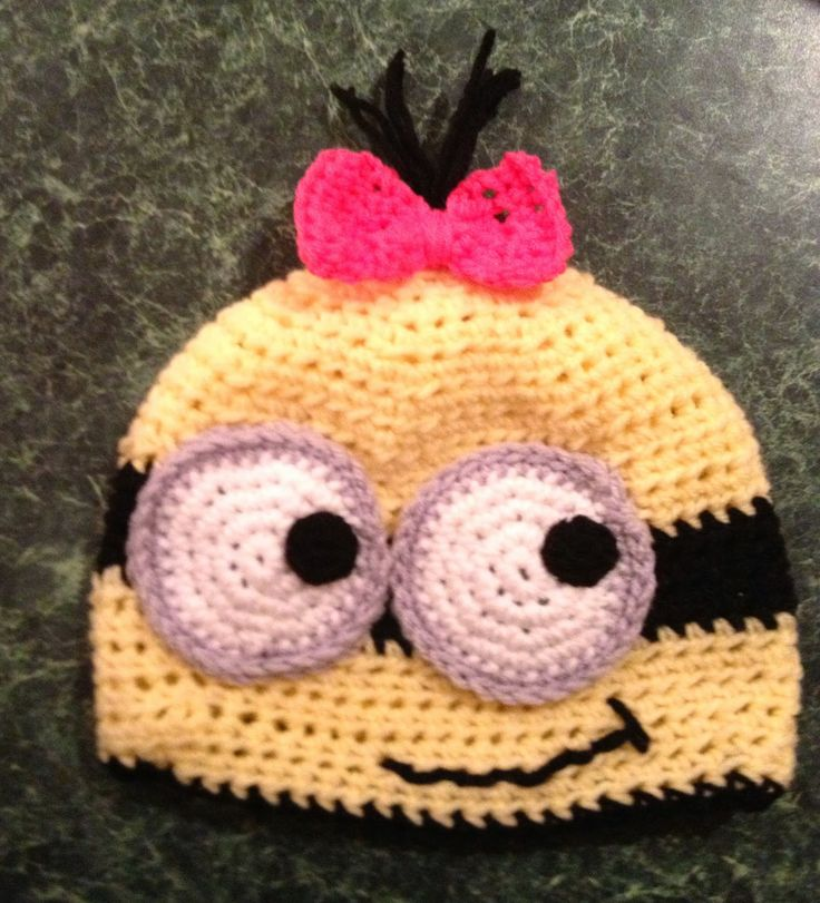 Free Crochet Connection MINION HAT AND MITTENS