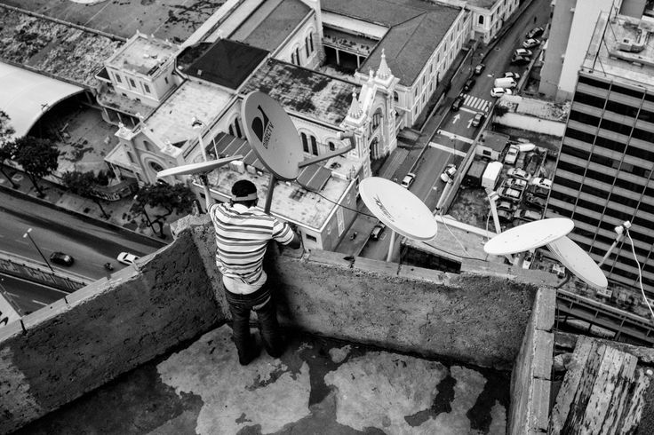 The Real-Life Community Inside the 'Abandoned' Skyscraper From Homeland | A bird's eye view from The Tower of David.   Alejandro Cegarra  | WIRED.com