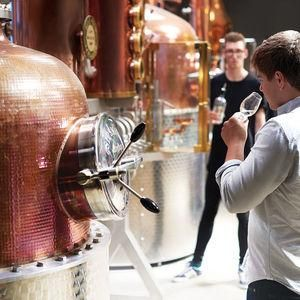 Gin Tasting And Distillery Tour Experience For Two - The perfect gift for your dad this Father's Day.