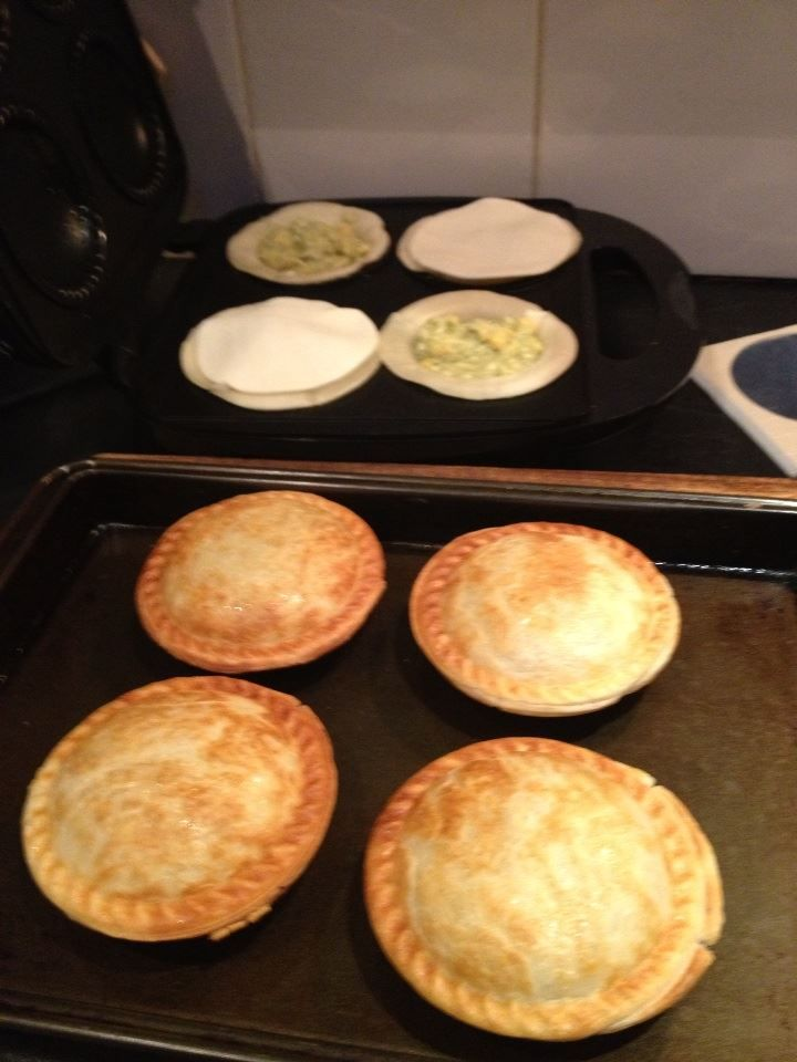 Cheese corn and asparagus pies. Read my magazine for free at www.lilyonlinemagazine.com