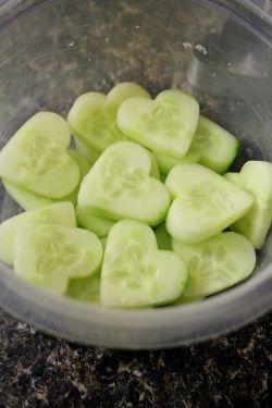 Für Kinder: Gurken Snack in Herzform *** cucumber snack for kids ❤️