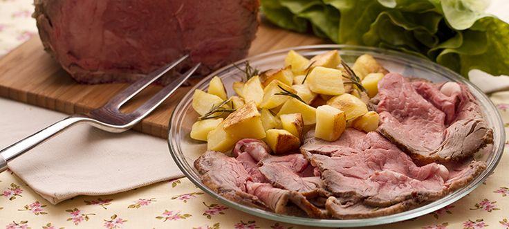 È il piatto della domenica, anzi il secondo piatto della domenica e di solito viene servito con un abbondante contorno di patate al forno. Sto parlando del