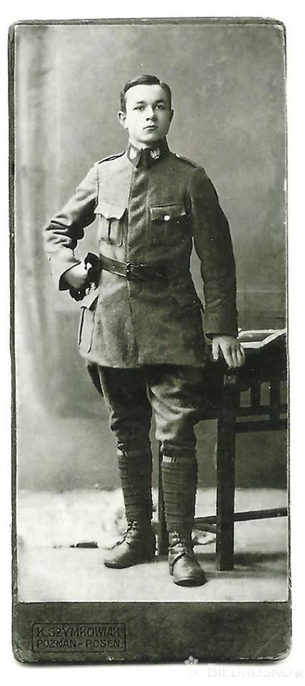 Żandarm Józef Siudziński, Poznań 1920 r. (źr. Portal ebiedrusko.pl - wczoraj, dziś i jutro ; http://ebiedrusko.pl/aktualnosci/moj-pradziadek-powstaniec-wielkopolski/ )