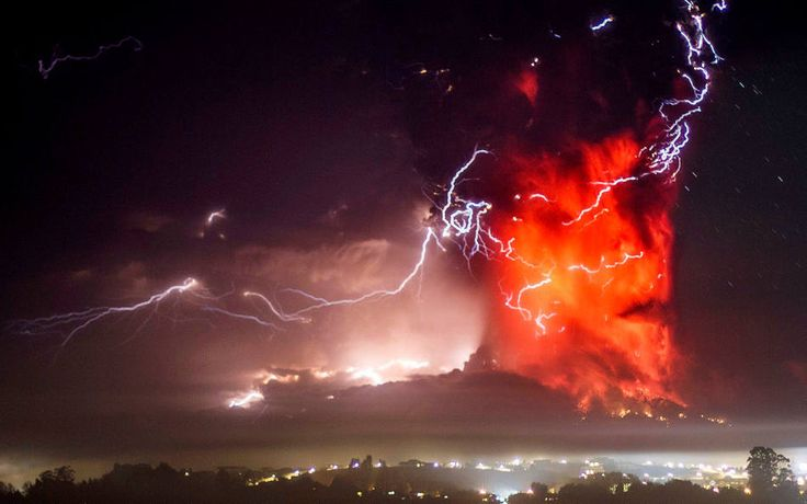 ENSENADA, Chile — A handful of people who ignored an evacuation order shoveled ash off roofs, but otherwise Ensenada appeared a ghost town after almost all of its 1,500 residents fled to safer ground following twin blasts from the Calbuco volcano.