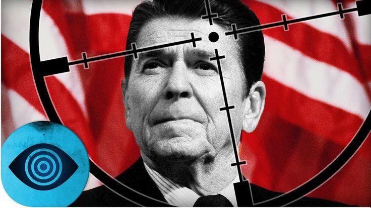 Der damalige US-Präsident Ronald Reagan wurde 1981 beinahe getötet. Der Attentäter schien zunächst ein verwirrter Einzelgänger zu sein. Doch schon bald ließen sich erstaunliche Verknüpfungen erschließen.   https://www.youtube.com/watch?v=wYBV082fYsU   #Anschlag #attentat #Bush #CIA #Computerion #fakten #fbi #Geheimnisse #George Bush #Intrigen #Jimmy Carter #Jodie Foster #John Hinckley #kennedy #Mordversuch #Neil Bush #Politik #präsident #Prescott Bush #Reagan #R