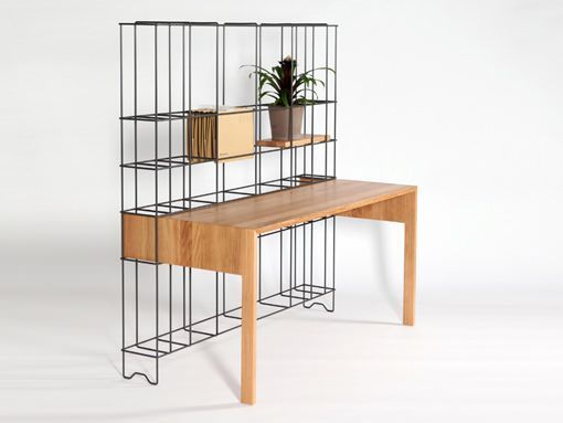 escritorio con estanteria de hierro integrada din