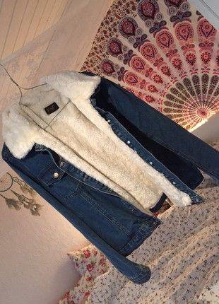 Oversized jeansjacke mit fell