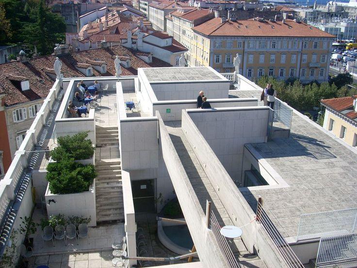 Museo revoltella rooftop aerial walkway from the last for Idee architettura interni