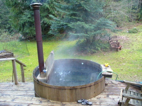 Wood Heated Hot Tub Yes Please Http Www Pinterest Com
