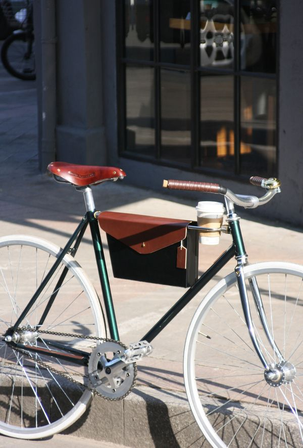 My bike needs a coffee cup holder... Echo urban bike by Zhu Baixuan, via Behance