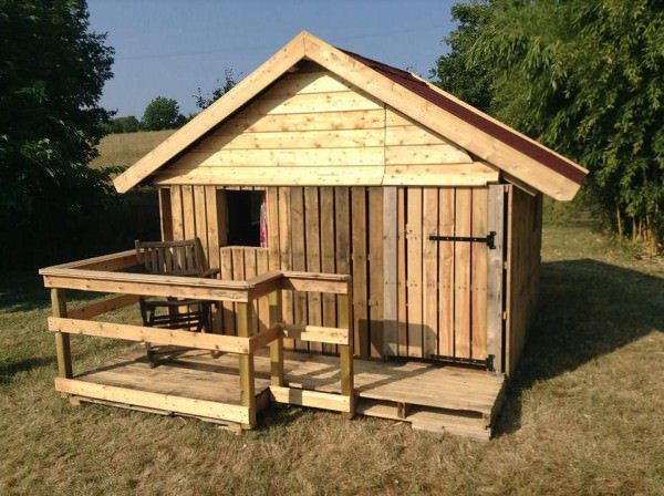 Canning Pallets House Huts, Cabins & Playhouses