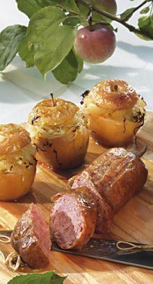 Saucissons mit gefüllten Sauerkraut-Bratäpfeln