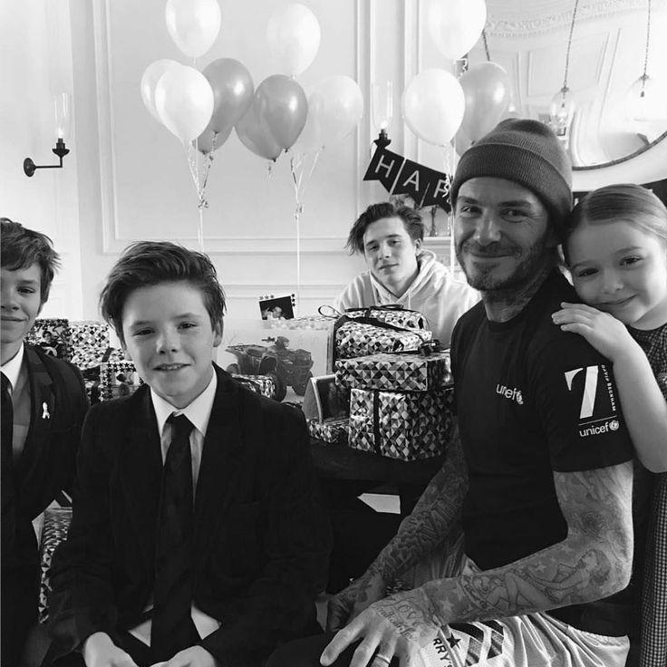 Разве может быть подарок круче, чем безусловная любовь близких? 😌 Дэвид Бекхэм отметил своё 42-летие в окружении семьи 🤗 #davidbeckham