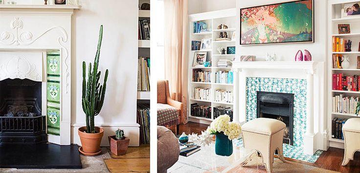 Azulejos de colores para vestir la chimenea Un mosaico en tonos azules o verdes, nos permitirá relajarnos en la elección del resto de muebles. Un sofá o unas butacas en tonos claros, se convierten en un perfecto complemento.