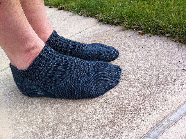 Ravelry: Uno socks pattern by Sharon Ladyman