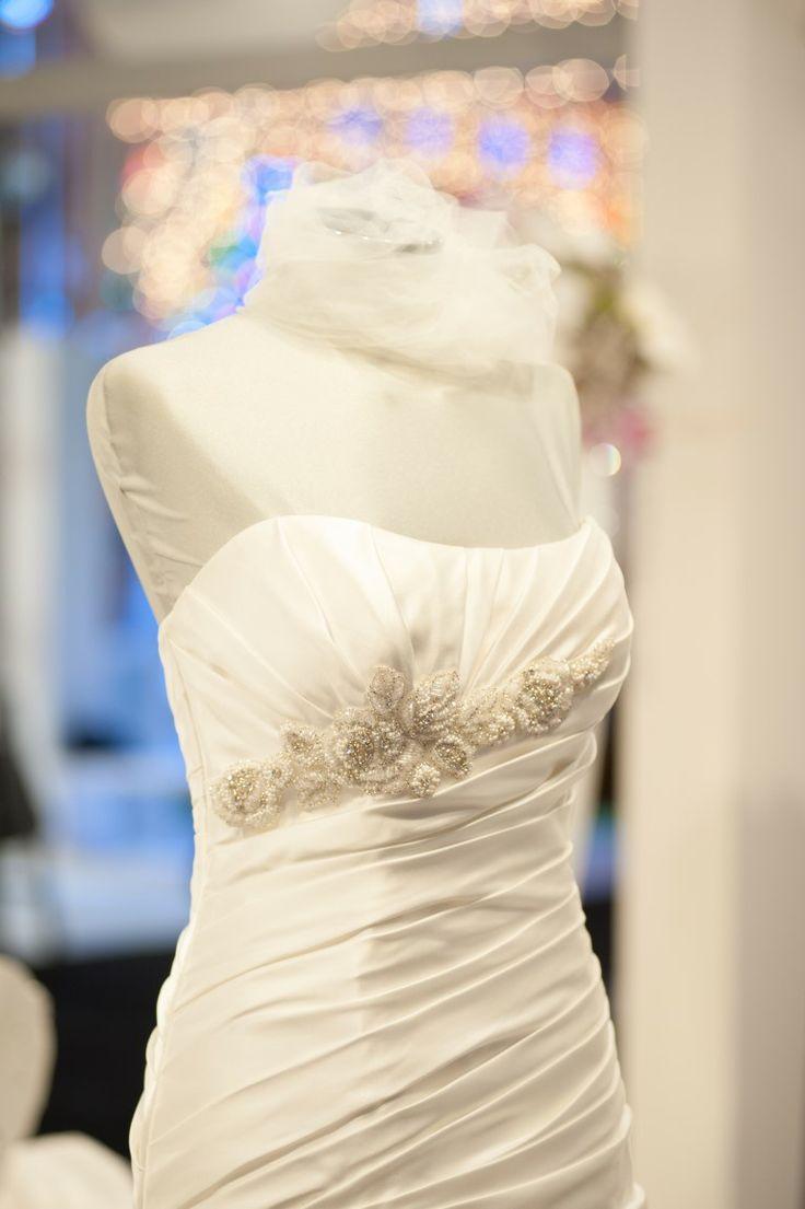 Corpetto abito da sposa esposto al Salone Promessi Sposi Lecce Novembre 2013