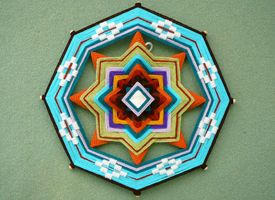 How-Tuesday: Weaving a Complex Ojo de Dios   Way cool project. Might try it with the advance class.