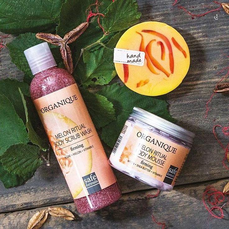 Tworząc Rytuały Owocowe łączymy w ich formułach skuteczność działania ekstraktów roślinnych z soczystymi, świeżymi zapachami.  Dzisiaj mamy ochotę na melonowe ujędrnienie ❤  #MelonRitual #watermelon #bodybalm #showegel #handmade #soap #smellssogood  #organique #cosmetics #naturalcosmetics #natural #skincare  #safeformula