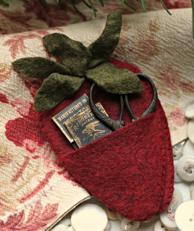 With thy Needle  Thread blog: Strawberry scissor and needlecase