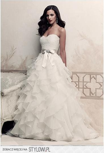 Say Yes to the Dress makes me want to look at wedding dresses♡so pretty