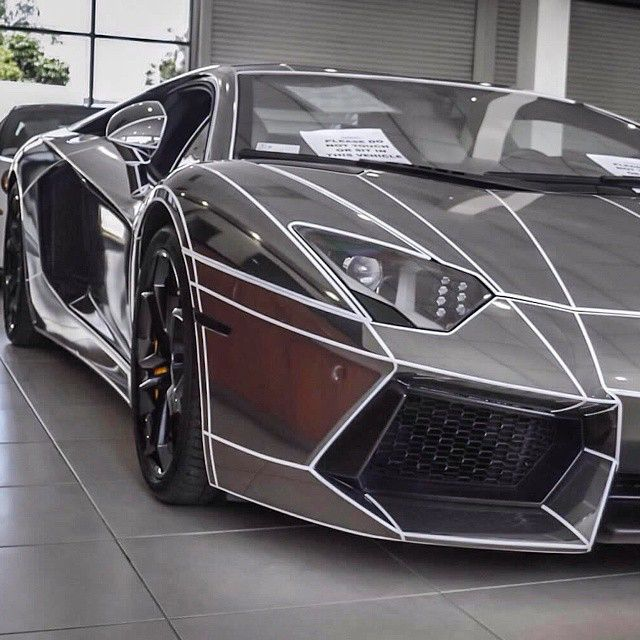 17 best images about lamborghini ferrari on pinterest italia lamborghini aventador and cars. Black Bedroom Furniture Sets. Home Design Ideas