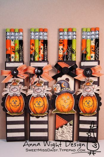 halloween pencil treats by sweetmissdaisy template for the holder is in the link - Halloween Treat Holders