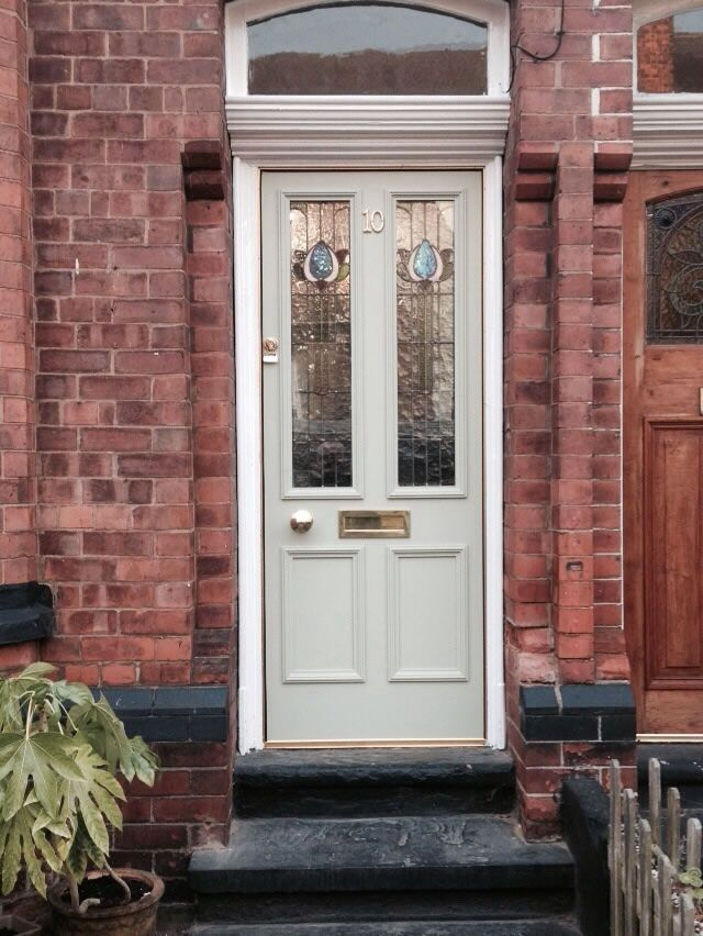 Accoya wood front door in biscuit colour, with bespoke glass, by @ReddishJoinery